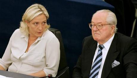 ΣΑΛΟΣ στη Γαλλία: Ο Ζαν Μαρί Λεπέν πρόσβαλε τη μνήμη του αστυνομικού που δολοφόνησε τζιχαντιστής