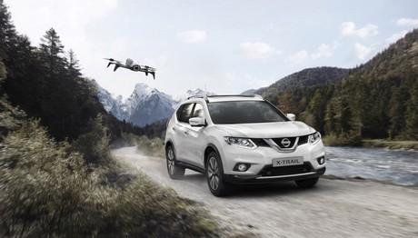 Ένα Nissan X-TRAIL X  διαθέτει drone στον στάνταρ εξοπλισμό του