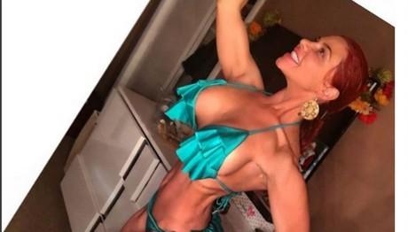 Εχει γίνει… ντούκι! ΔΕΙΤΕ Ελληνίδα τραγουδίστρια να κάνει bodybuilding