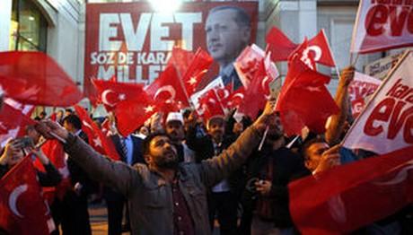 Οι πρώτες αντιδράσεις των πολιτικών κομμάτων στη νίκη Ερντογάν