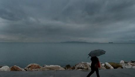 ΧΑΛΑΕΙ πάλι ο καιρός- Βροχές και χαμηλές θερμοκρασίες την