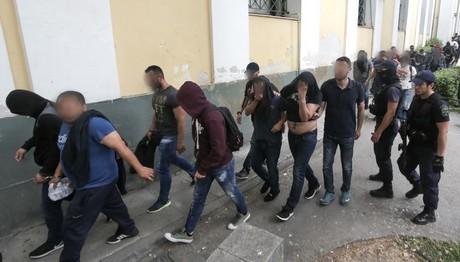 Προφυλακίστηκαν οι 14 της συμμορίας των χρηματοκιβωτίων