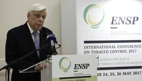 Μήνυμα Παυλόπουλου κατά του καπνίσματος: Να αντιληφθούν όλοι τις επιπτώσεις στους ίδιους και τις οικογένειές τους
