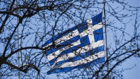 Spiegel: «Η οικονομία της Ελλάδας ολισθαίνει στην ύφεση»