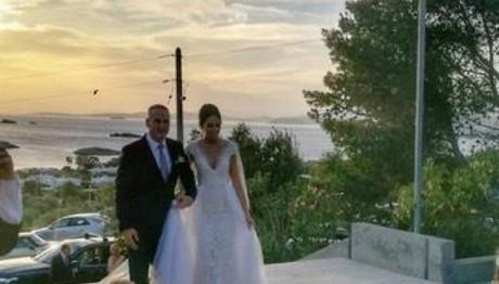 """Ο παραμυθένιος γάμος της πρώην """"Σταρ Ελλάς"""" Ισμήνης Νταφο"""