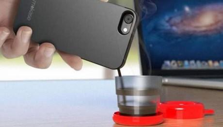 Kι όμως υπάρχει θήκη κινητού που φτιάχνει καφέ!
