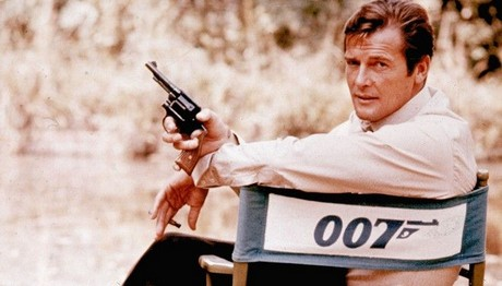 """Και 007 και... """"Καζανόβας"""": Οι 4 γυναίκες που έπεσαν στα δίχτυα του Ρότζερ Μουρ"""