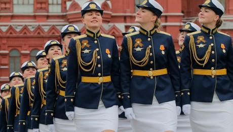 Οι ΚΑΛΛΟΝΕΣ του Ρωσικού Στρατού- Έκλεψαν την παράσταση στ