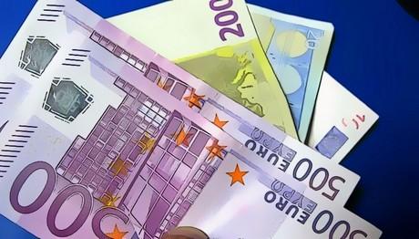 «Κόλαση» με τις κόκκινα δάνεια: ΔΙΑΓΡΑΦΕΣ ΧΡΕΩΝ ετοιμάζουν οι τράπεζες!