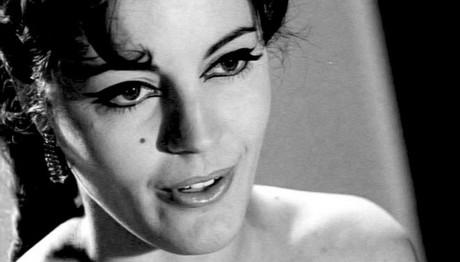 ΘΛΙΨΗ: Εφυγε από τη ζωή η ηθοποιός Καίτη Παπανίκα
