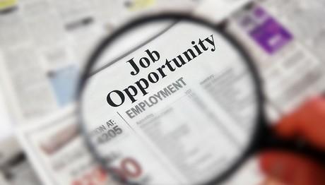 Τρία πακέτα προσλήψεων μέσα στο καλοκαίρι: 15.800 θέσεις εργασίας σε Δήμους και hotspots