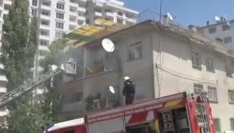 Πυρκαγιά σε 4όροφο κτίριο στην Άγκυρα