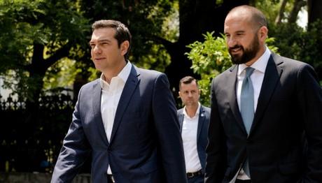 Τζανακόπουλος: Δεν προαναγγέλλεται η έξοδος στις αγορές