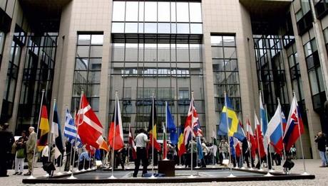 Πολωνία: Κομισιόν για την υπεράσπιση του κράτους δικαίου