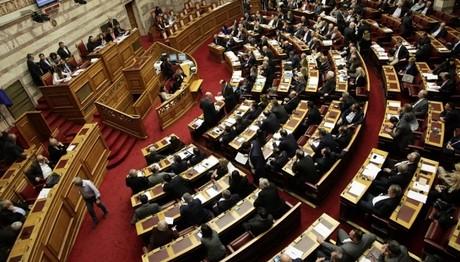 Ψήφισαν τα μέτρα και τώρα... 60 βουλευτές του ΣΥΡΙΖΑ καταθέτουν ερώτηση για τις κατασχέσεις των συντάξεων