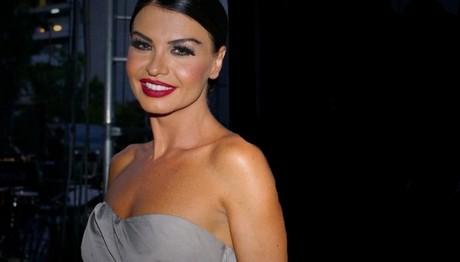 Στο νοσοκομείο δίπλα στη μητέρα της γνωστή Ελληνίδα ηθοποιός