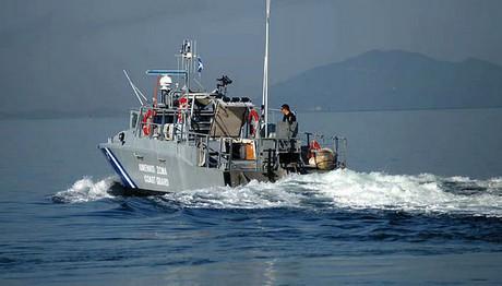Υδροφόρα συγκρούστηκε με αλιευτικό στην Αίγινα