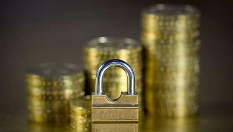 Δώρο… διακοπών: Αναδροµικές εισφορές για 300.000 ασφαλισµένους