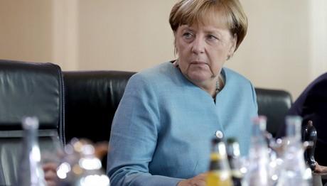 Η Μέρκελ μίλησε για προσφυγικό σε ελλάδα κι Ιταλία