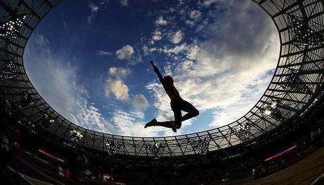 Αθλητής στα... ουράνια στο Παγκόσμιο Πρωτάθλημα Στίβου