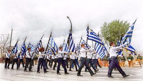 Σφάζονται κυβέρνηση-αντιπολίτευση για τους σημαιοφόρους