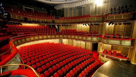 Οδηγός επιβίωσης στο ελληνικό θέατρο: Παραγωγοί της Συμφοράς
