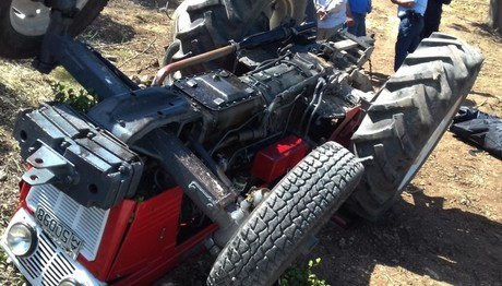 Αποτέλεσμα εικόνας για αγρότης έπεσε από το τρακτέρ του και πέθανε
