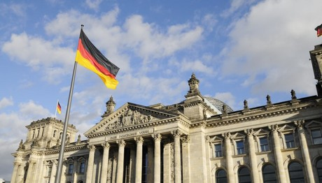 Γερμανία: Και εμείς στηρίζουμε την Ελλάδα για το χρέος