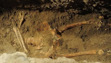 Βρέθηκαν ανθρώπινα οστά σε εγκαταλελειμμένο κτίσμα