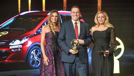 """Το Ampera-e κέρδισε  το """"Χρυσό Τιμόνι 2017"""""""