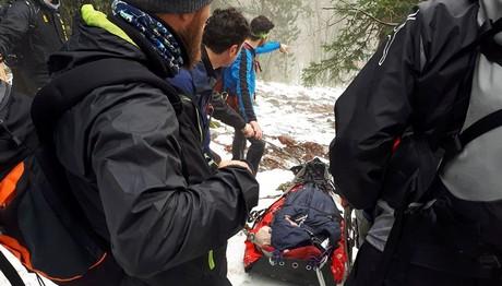 Επιχείρηση για τη μεταφορά ορειβάτη από τον Όλυμπο
