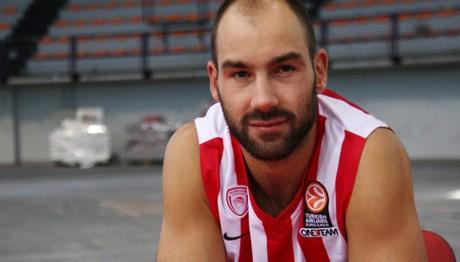 Η Αρμάνι υποδέχεται τον Ολυμπιακό