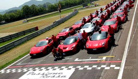 Αποκλειστική συγκέντρωση πολυτελών sport οχημάτων FERRARI