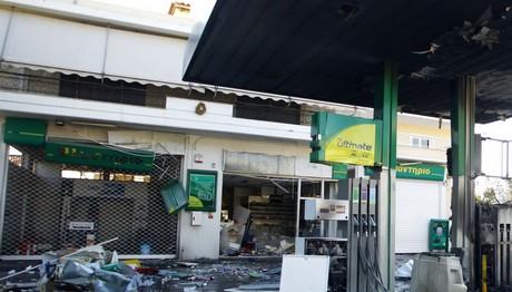Η εικόνα στο βενζινάδικο μετά την έκρηξη