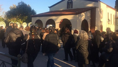 Θρήνος στην κηδεία του 22χρονου φοιτητή από την Κάλυμνο