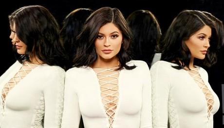Η φουσκωμένη κοιλίτσα της Kylie Jenner:
