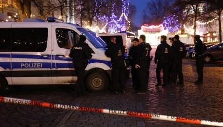 Εκκενώνεται χριστουγεννιάτικη αγορά στη Γερμανία