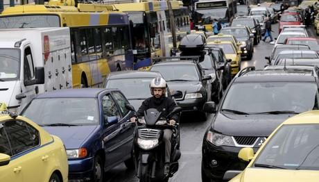 Κυκλοφοριακό χάος στους δρόμους λόγω απεργίας