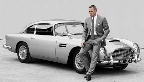 Διάσημος 23χρονος τραγουδιστής ο νέος James Bond
