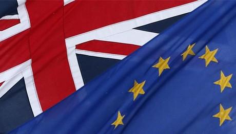 Brexit: Μεταβατική περίοδο μέχρι 31/12/20 προτείνει η ΕΕ