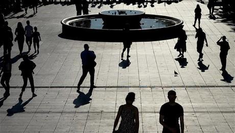 Στα προ κρίσης επίπεδα έπεσε η ανεργία τον Νοέμβριο σε ΕΕ