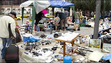 Παζάρι για τις αγορές τους κάνουν πλέον οι Έλληνες!