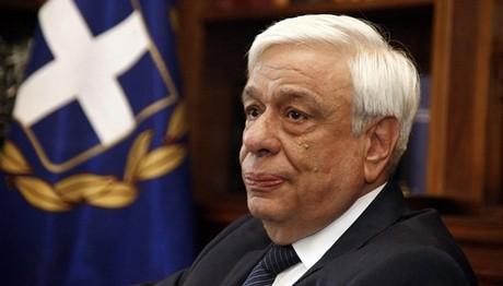 Παυλόπουλος: Να στηριχθούν οι μικρομεσαίες επιχειρήσεις