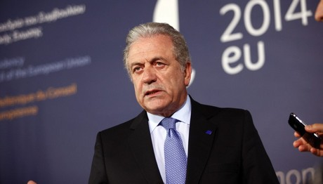 Παγκόσμια συμφωνία για το προσφυγικό θέλει ο Αβραμόπουλος