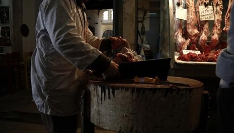 Απανωτές επιθέσεις σε δύο κρεοπωλεία στην Κυψέλη