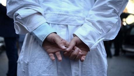 Προσοχή: Η ιλαρά δεν αφορά μόνο τα παιδιά – Έξαρση και στους ενήλικες