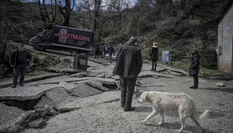 Τρίκαλα: Καθίζηση εδάφους στο χωριό Πιαλεία