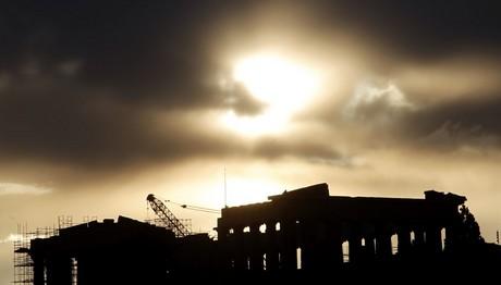 Ο Fitch αναβάθμισε την πιστοληπτική ικανότητα της Ελλάδας