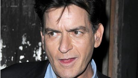 Ένοχος για δολοφονία ο Charlie Sheen;