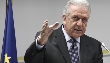 Ο Αβραμόπουλος καλεί την Τουρκία να τους απελευθερώσει